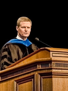 Bednar speaking at the 2007 graduation ceremony of the Marriott School of Management