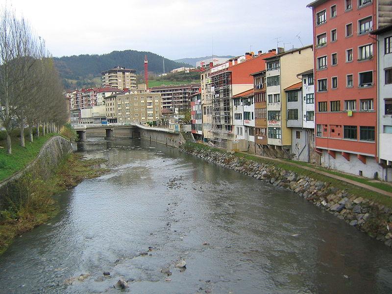 Elgoibar río Deba.JPG