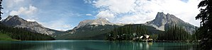 Emerald Lake (British Columbia) - Image: Emerald Lake BC full view