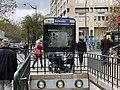 Entrée Station Métro Belleville Paris 2.jpg