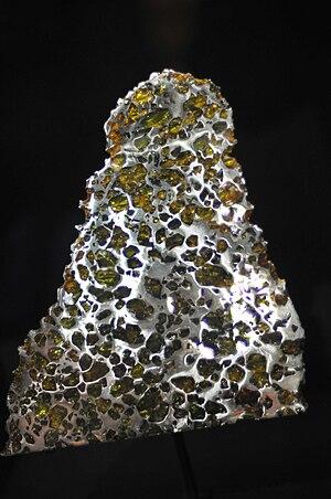 Esquel (meteorite) - Image: Esquel pallasite partial slice