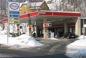 Esso - An Esso station in Stabekk, Norway (2006)