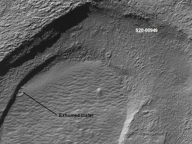 Exhumed crater in Noachis