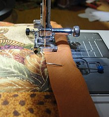 Bias tape - Wikipedia : binding a quilt with bias tape - Adamdwight.com