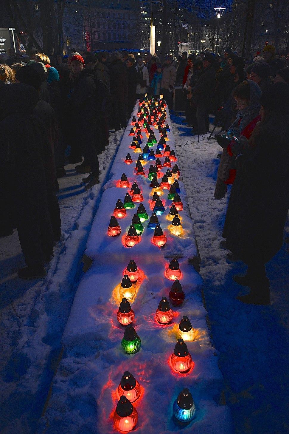 Förintelsens minnesdag på Raoul Wallenbergs torg