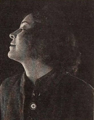 Eve Balfour (actress) - Eve Balfour in Fantômas (1920)