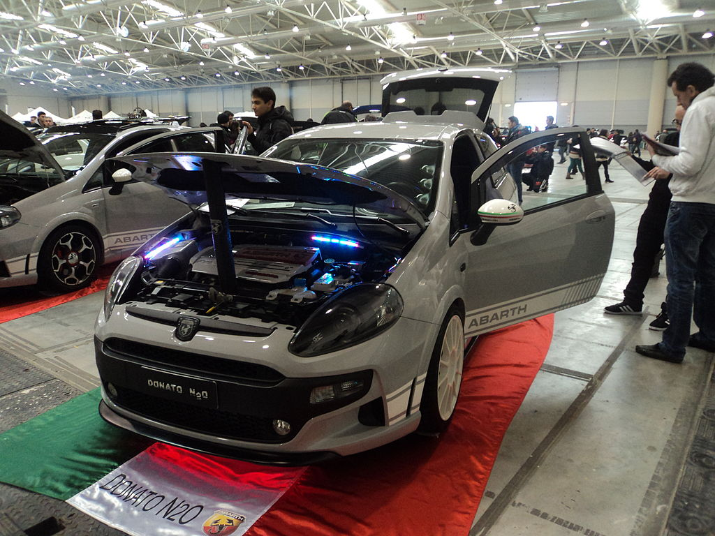 file fiat punto abarth rome tuning show 01 jpg wikimedia. Black Bedroom Furniture Sets. Home Design Ideas