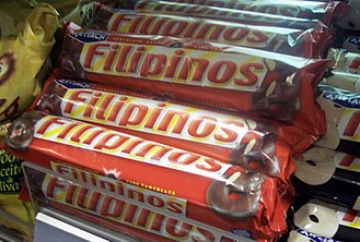 Filipinos (snack food) - Artiach Filipinos dark chocolate biscuits as sold in Spain.