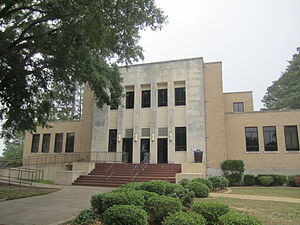 Lon Morris College - A. Frank Smith Fine Arts Building hosts theatre, music, and dance.
