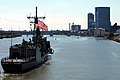 Flickr - Official U.S. Navy Imagery - USS DeWert arrives in Toledo..jpg
