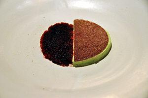 Noma (restaurant) - Image: Flickr cyclonebill Mousse af havesyre og granité af hybenrose og rødbede