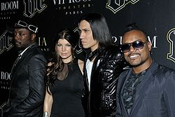 Flickr - nicogenin - Les Black Eyed Peas en concert au VIP Room Paris.jpg