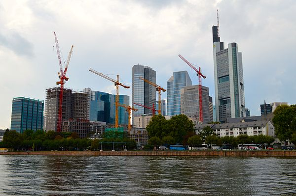 Frankfurt's skyline from across the Main, showing construction cranes Frankfurt Skyline with Cranes.JPG