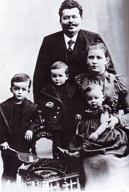 Friedrich Ebert with his wife Louise and their children (from left to right) Friedrich, Georg and Heinrich (Christmas 1898) Friedrichebert1898.jpg