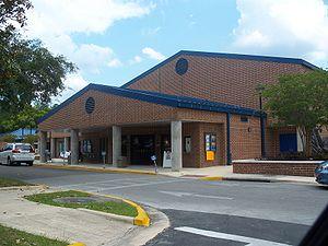 P. K. Yonge Developmental Research School - Image: Gainesville PK Yonge 01a