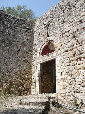 Gardiki Castle, Corfu - The entrance to the castle