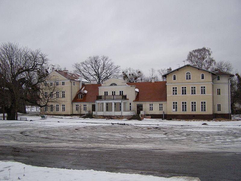 File:Gdynia dwor Kolibki 1.jpg