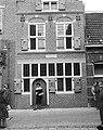 Geboortehuis van Rembrandt herbouwd aan de Weddesteeg te Leiden, de gevel, Bestanddeelnr 915-1571.jpg