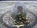 Gedenkstein für die Opfer von 1933-1945 gegenüber dem Rathaus..jpg