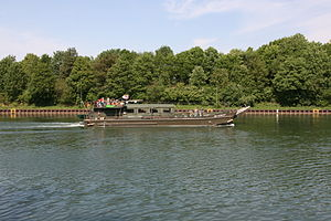 Gelsenkirchen - Rhein-Herne-Kanal - Reservist (Hafenbrücke) 04 ies.jpg