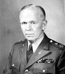 George Marshall Secrétaire d État américain, le plan Marshall prévoit que la France  quitte l Algérie