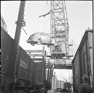 Lapland War - Germans evacuating equipment from Oulu on 19 September 1944