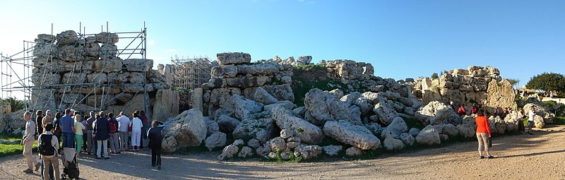File:Ggantija Megalith.jpg
