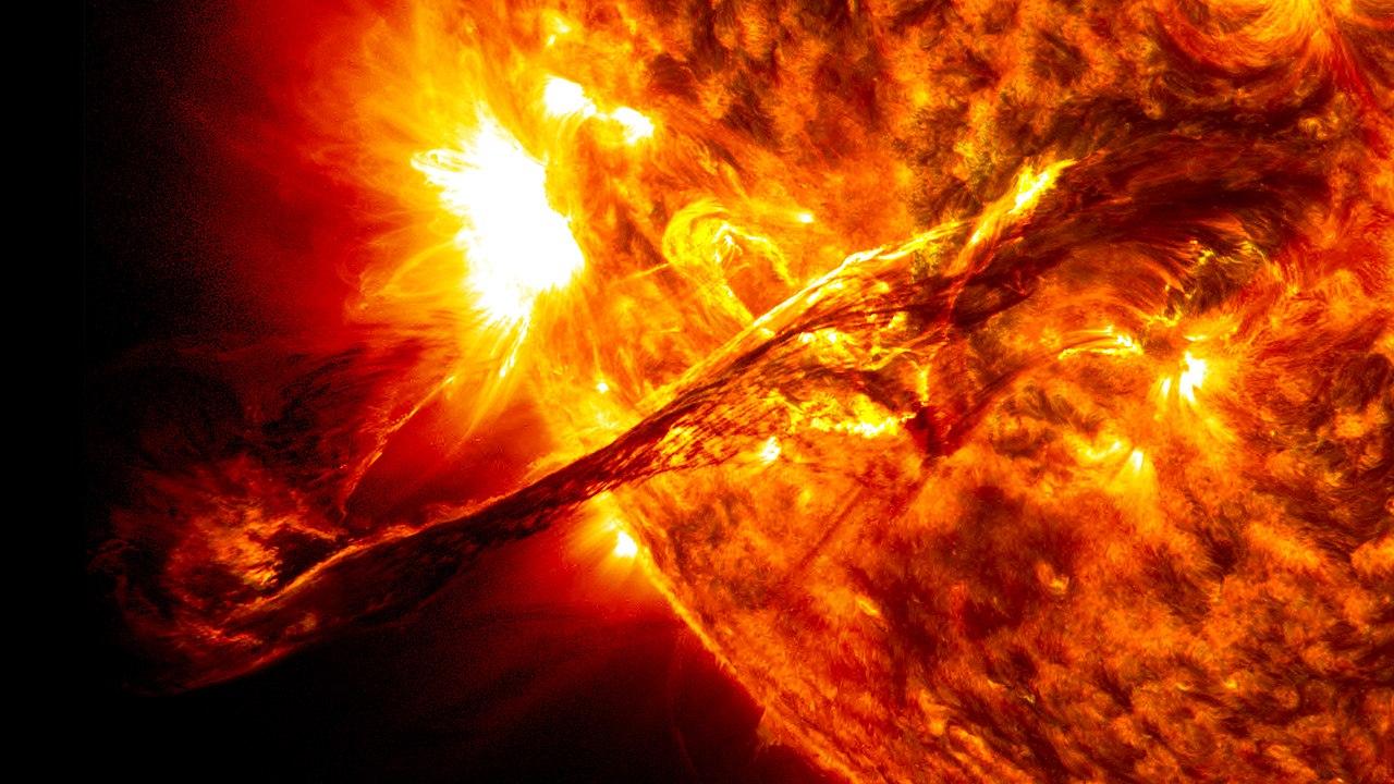 Große Protuberanz auf der Sonne.