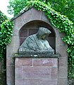 Grabmal Richard Engelmann Freiburg Günterstal.jpg
