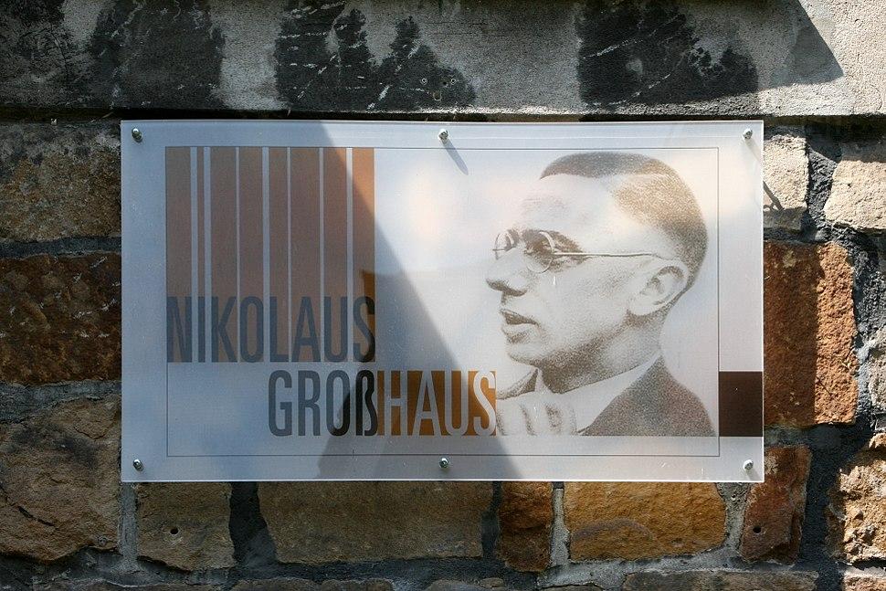 Hattingen Niederwenigern - Domplatz - Nikolaus-Gro%C3%9F-Haus 02 ies