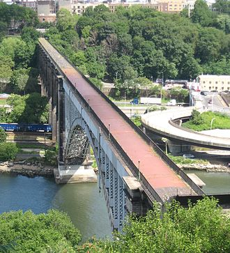 High Bridge (New York City) - View of the closed bridge from Highbridge Park in 2008