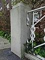 Hilleniusbrug - Hillegersberg - Rotterdam - Metal railing meets concrete fence post.jpg