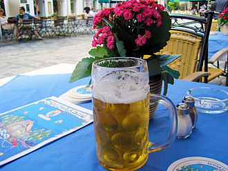 Staatliches Hofbräuhaus in München - A Maß of beer at Hofbräuhaus