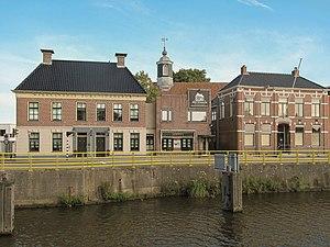 Hoogkerk - Former townhall in the street