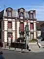 Houdan (78), monument aux morts, rue de Paris 1.jpg