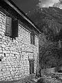 House in Chame (4517946037).jpg