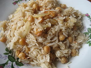Breakfast - htamin jaw – leftover or cold rice fried with onions and boiled peas from a streethawker is quick and popular.