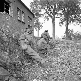 71st Infantry Brigade (United Kingdom) - Infantry of the 1st Battalion, Oxfordshire and Buckinghamshire Light Infantry in forward positions outside Heike on the road to Hertogenbosch, Holland, 23 October 1945.