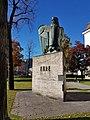 Innsbruck-Innrain52-Denkmal Ehre.jpg