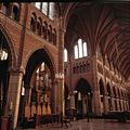 Interieur, overzicht van de noordgevel met transept met orgel, gezien vanuit het koor - Hilversum - 20381527 - RCE.jpg