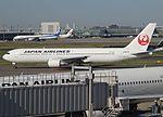 JAL 767 JA8975 at HND (28108559871).jpg