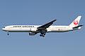 JAL B777-300(JA8941) (6902637949).jpg