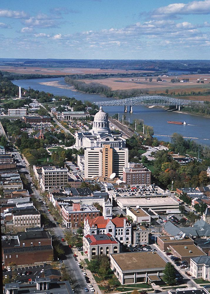 The population density of Jefferson City in Missouri is 441.11 people per square kilometer (1142.38 / sq mi)