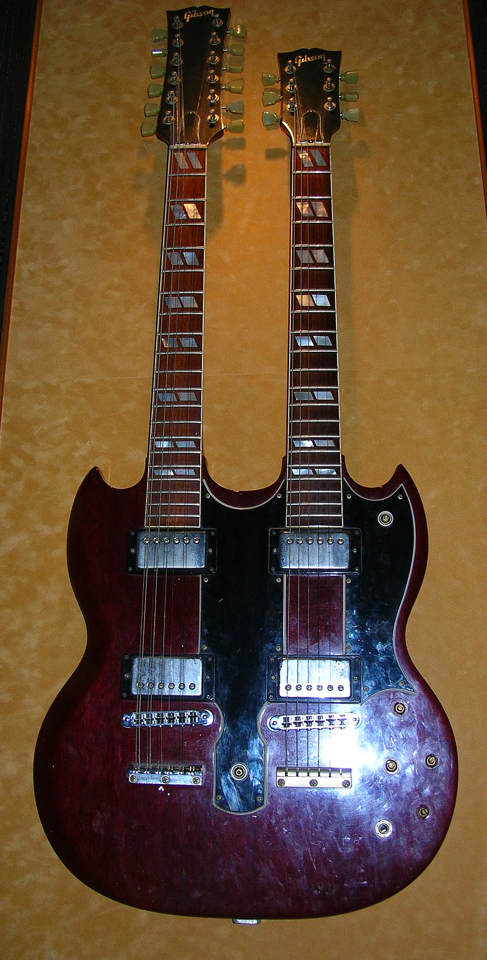 Jimmy Page%27s double-neck Gibson guitar, Hard Rock Cafe Hollywood