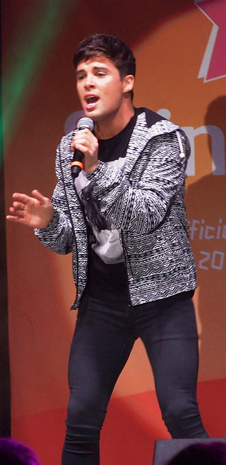 Joe McElderry - McElderry at the Paralympic Flame Festival, Edinburgh, on 26 August 2012