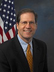 John E Sununu in 2006 Image: United States Senate.