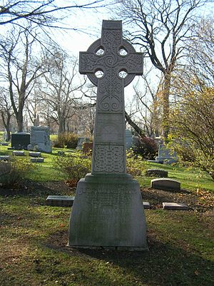 John Wellborn Root - Grave marker of John Wellborn Root in Graceland Cemetery