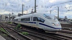 File:Köln Hauptbahnhof, Juli 2020 02 part 1 of 2.webm