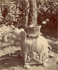 KITLV 87623 - Isidore van Kinsbergen - Sculpture of an elephant at Kartawangoengan near Kuningan - Before 1900.tif