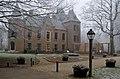 Kasteel Keukenhof, een buitenaanzicht in de winter van 2007.jpg